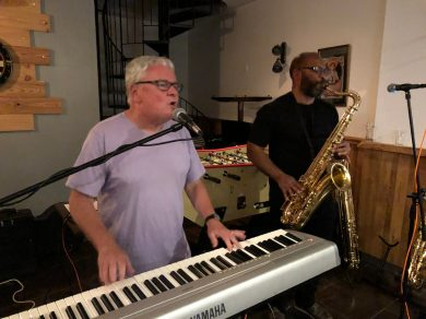 Carcasssone-April-2019-Michael-and-Errol-playing-in-town
