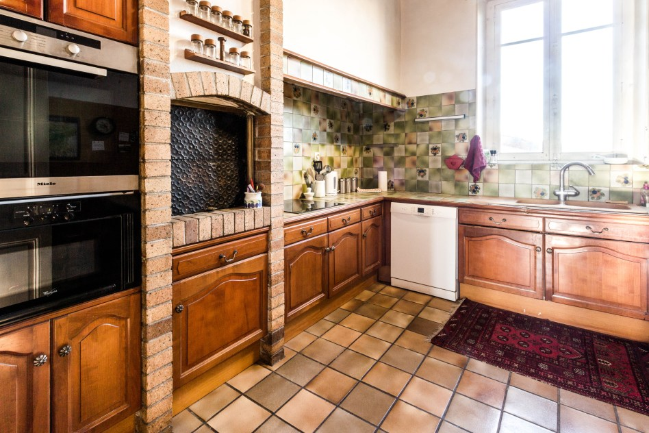 Full kitchen in apartments for rent in Carcassonne