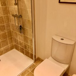 Natural stone bathroom in apartments for rent in Carcassonne