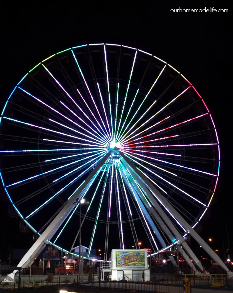 Branson - Ferris Wheel colors