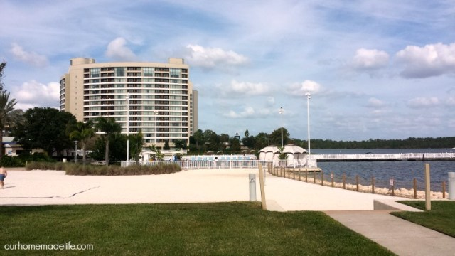 wdw-contemporary-bay-towers-view