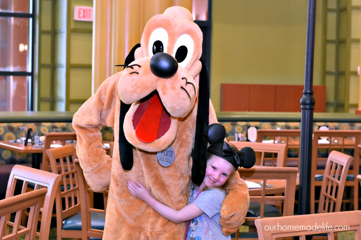 Character Dining at the Swan with Pluto