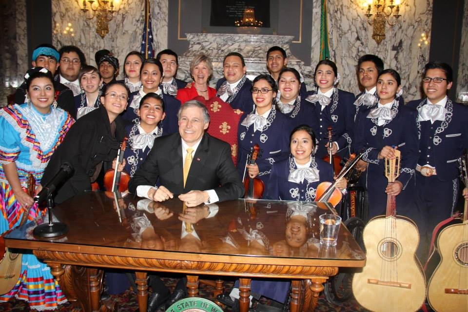 Wenatchee High School mariachi group performs as Governor signs Washington Dream Act