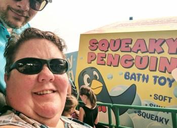 Slink Dog Dash queue line is full of penguins!