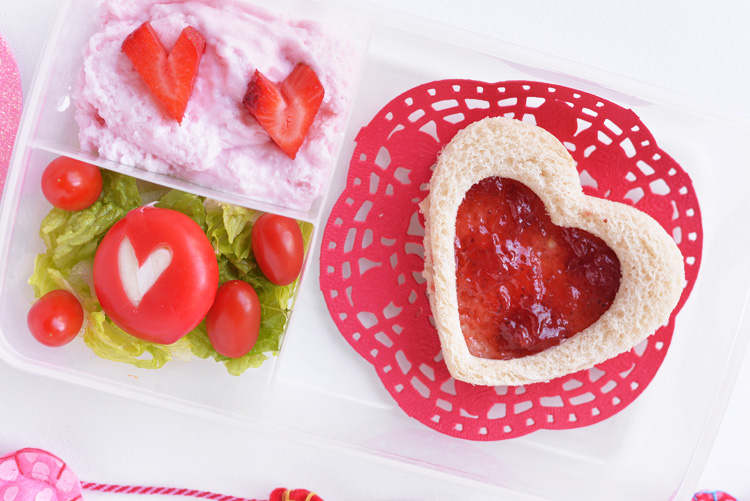 Making Mealtime Memorable – Heart Shaped Lunchbox Idea