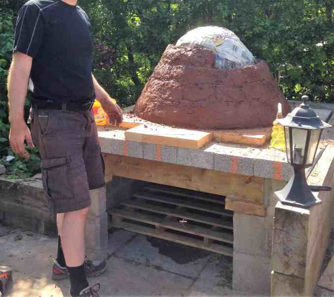 Pizza oven base layer