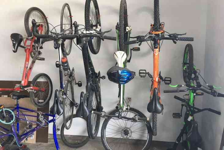 Is your garage an organizational wasteland? We show you how using these 3 tricks will help you with your garage organization. Garage Organization | Household Hacks