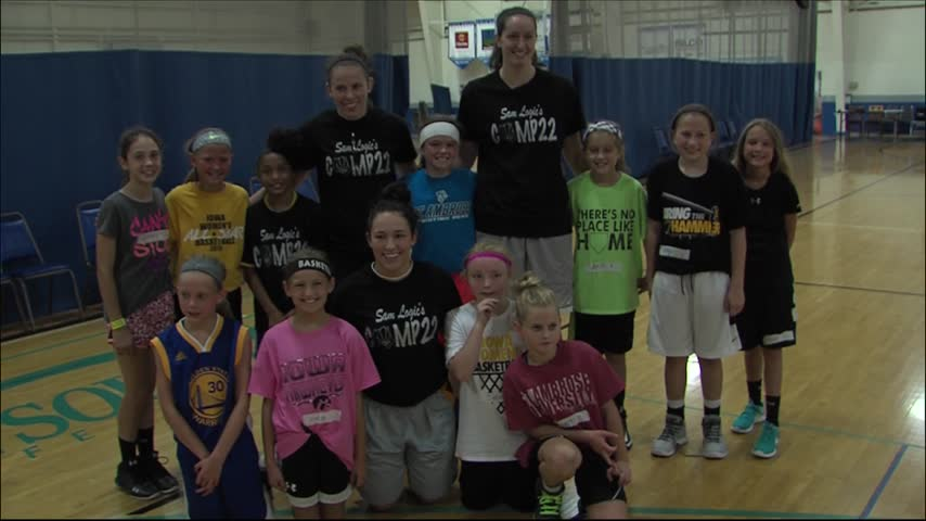 Former Iowa and St- Ambrose Women-s Players Give Back_20160730235706
