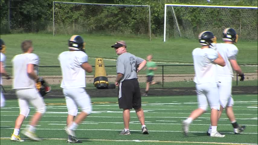 Bettendorf Football ready to go at home in week two-_20160901024205