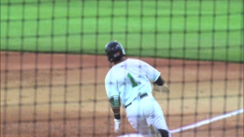 LumberKings beat Cedar Rapids in game 2-_20160912031203