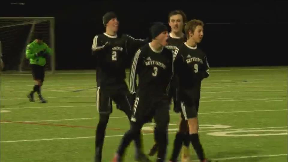 Bettendorf boys soccer defeats Assumption 1-0