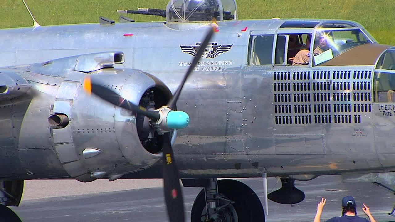 WWII_veteran_returns_to_the_skies_0_20181003171318-873703993