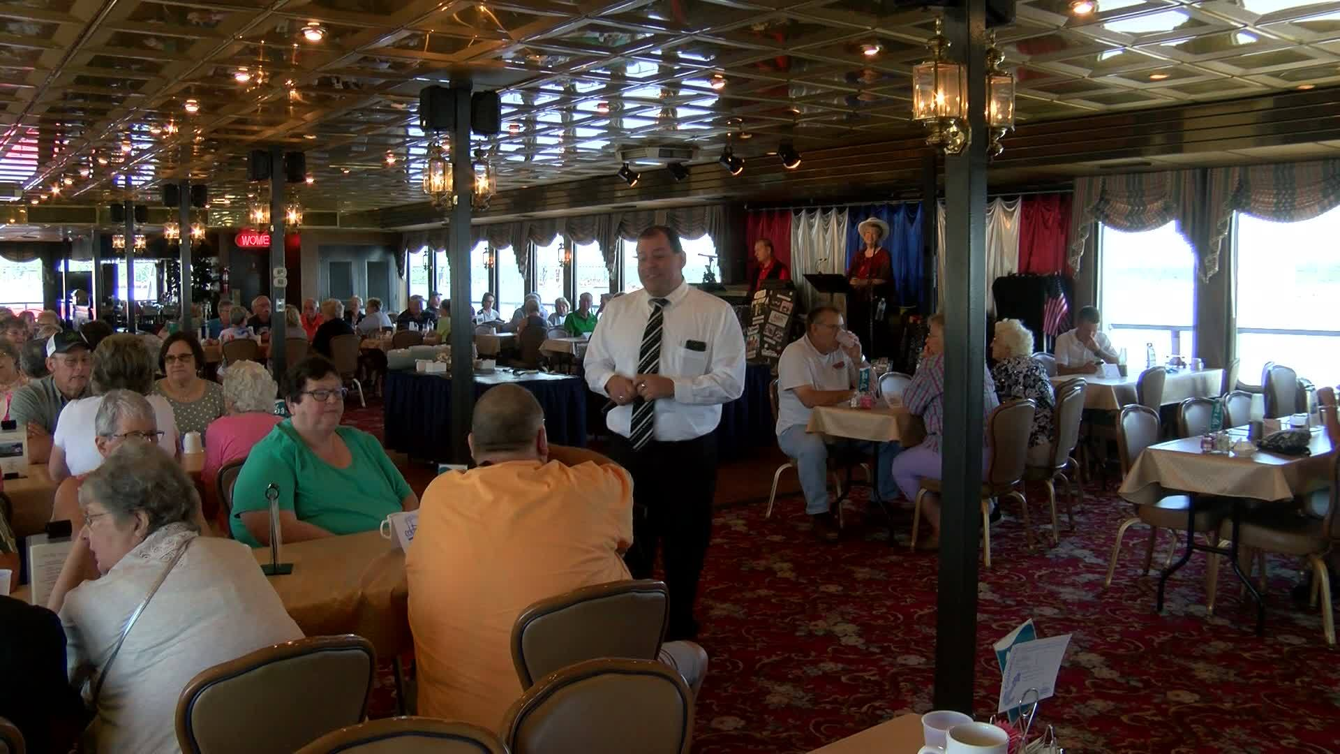 Destination Illinois: Celebration Belle river cruises