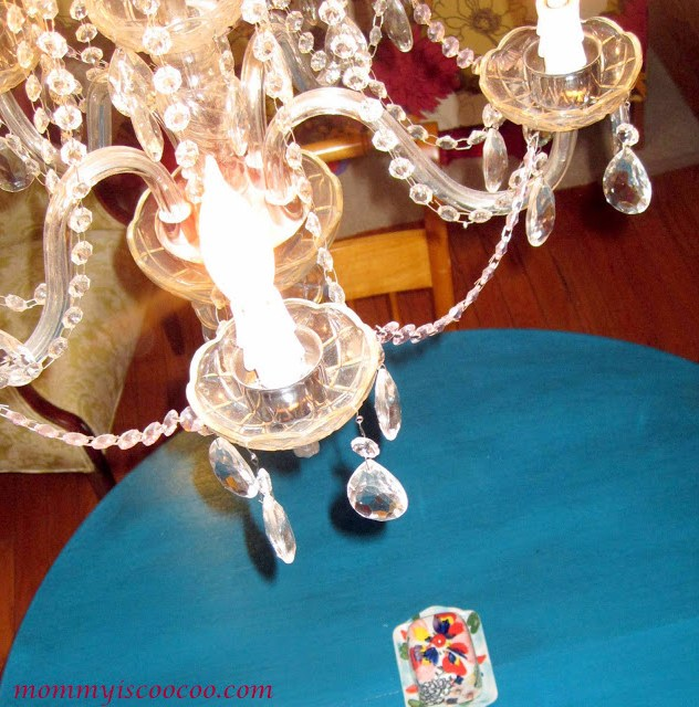 how to glaze painted furniture tutorial, with vintage chandelier, from mommy is coocoo