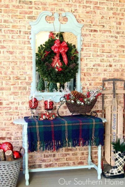 Outdoor Christmas Vignette