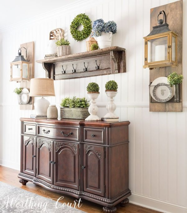 Farmhouse-Dining-Room-Makeover-this-super-easy-planked-wall-screams-instant-farmhouse-style-1