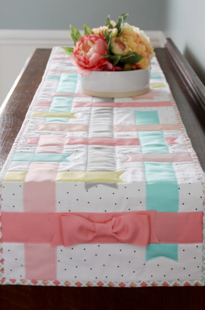 Pretty-Spring-Ribbon-Table-Runner