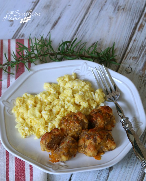 Sausage Crescent Cheese Balls by Our Southern Home for Pillsbury #fallfamilymeals #ad