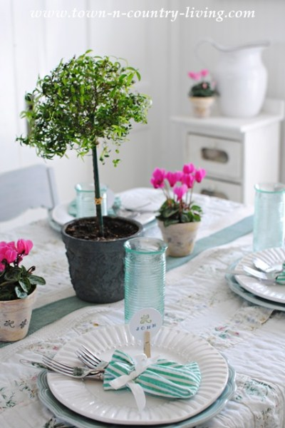 Spring Tablescapes & Centerpieces