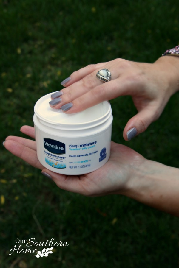 Love Vaseline for winter dry skin by Our Southern Home #Vaseline #AD