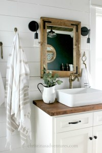 Over 40 Farmhouse and Cottage Bathrooms
