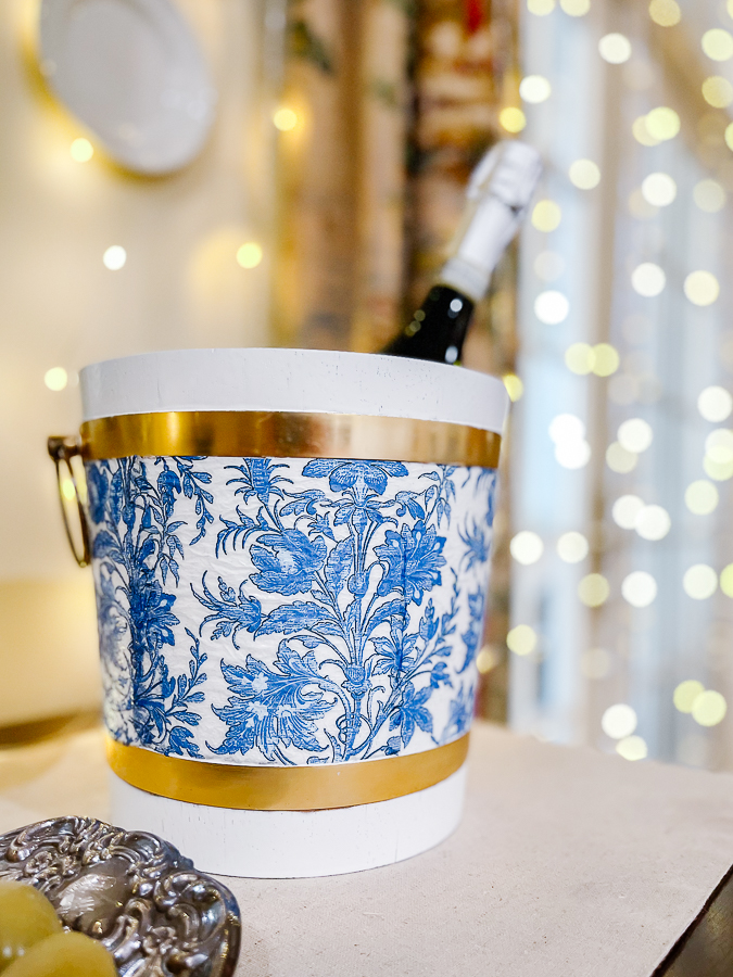 blue and white ice bucket