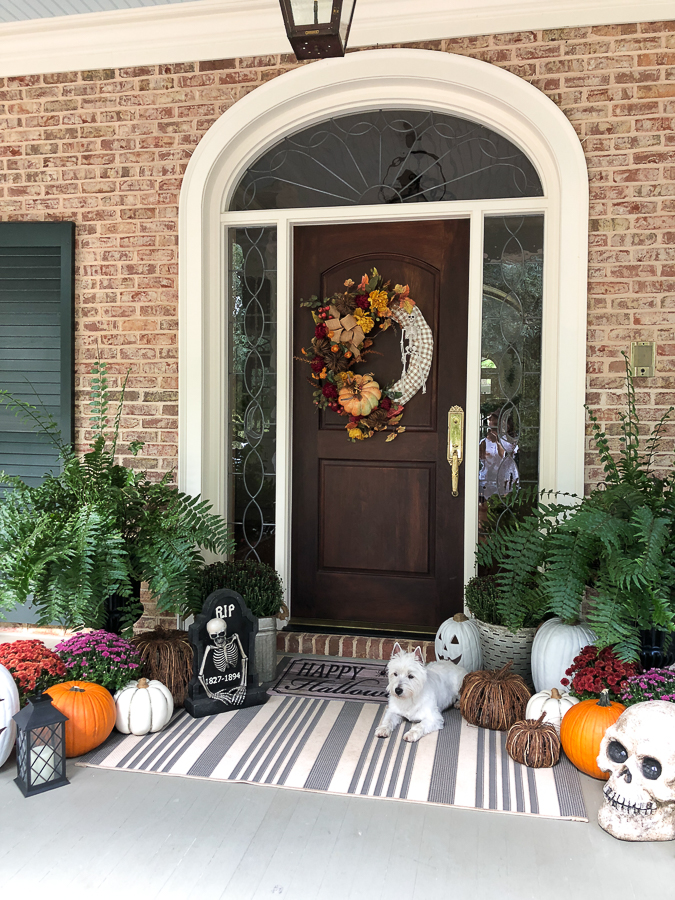 door and pumpkins