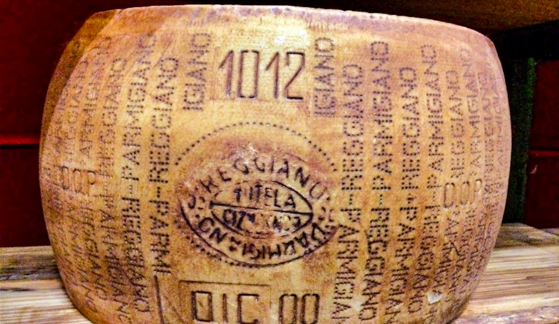 A Food Tour of Parmigiano Reggiano and Balsamic Vinegar in Modena, Italy