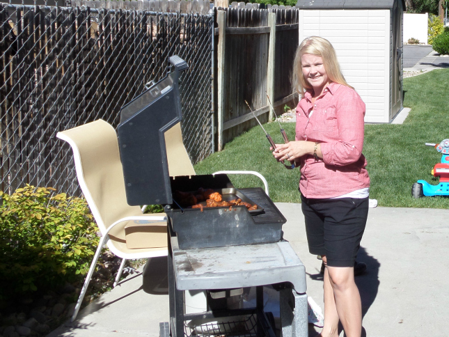 Father's Day BBQ with Tyson Hot Buffalo Wings #MealsTogether from OurThrfityIdeas.com
