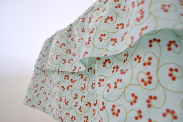 {Sewing tutorial} Ruffled Tablecloth Tutorial
