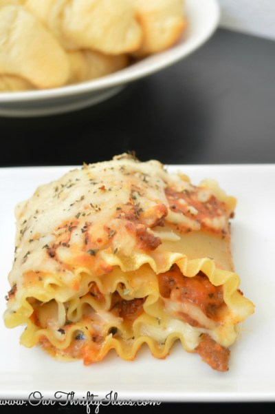 lasagna roll-ups in just 45 minutes, using Hamburger Helper | www.ourthriftyideas.com #shop #cbias #dinner #easy