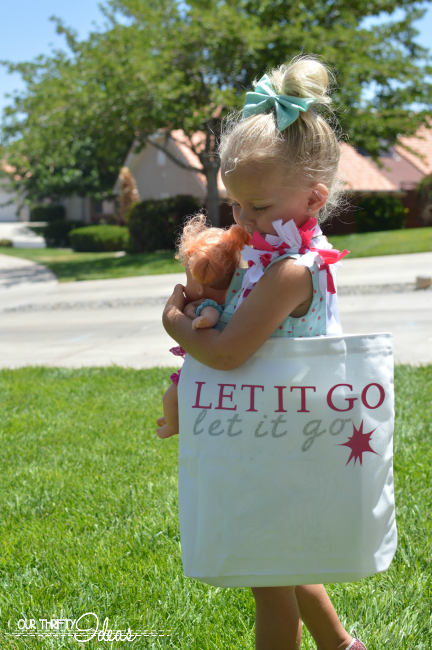 DIY Frozen inspired tote for little girls
