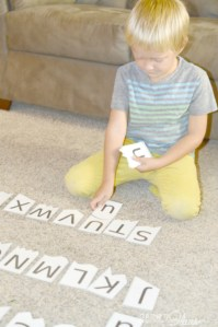 Alphabet matching game – letter recognition