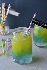 this is such a fun idea for a Halloween Party. Who knew it was that easy to layer colors all in one drink.