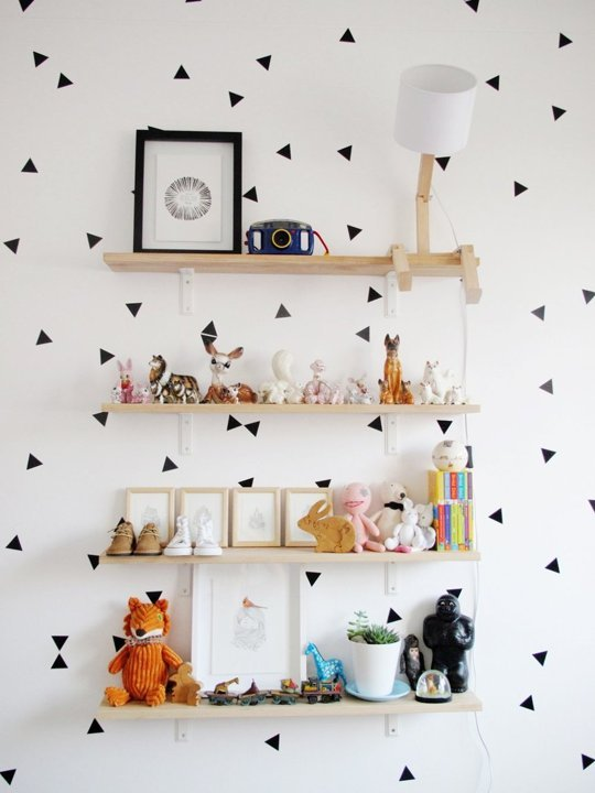 black-and-white-triangles-decals-shelves-nursery