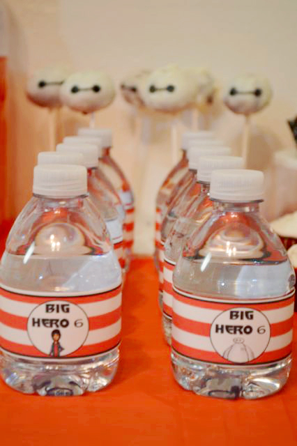 Such amazing ideas for creating the perfect Big Hero 6 party. There's even free printables to decorate with.