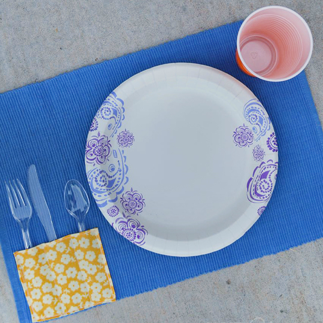 DIY Picnic Placemat Tutorial - square