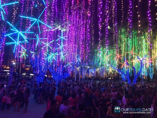 make-it-makati-ayala-triangle-gardens-festival-of-lights-our-travel-dates-image (1)