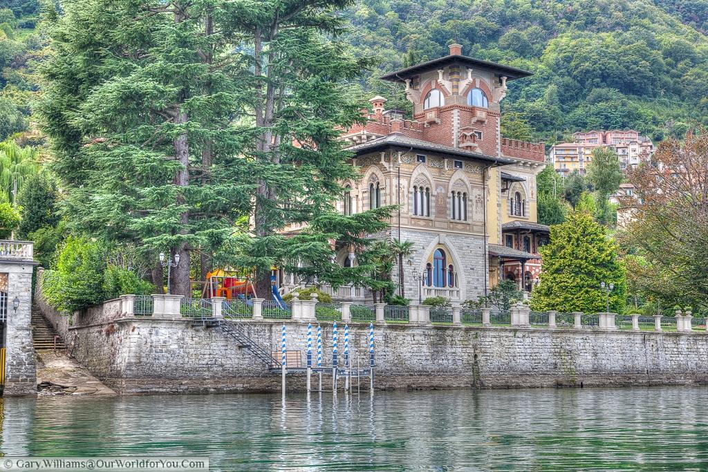 A beautiful villa set beside the Lake, Lake Como, Lombardy, Italy