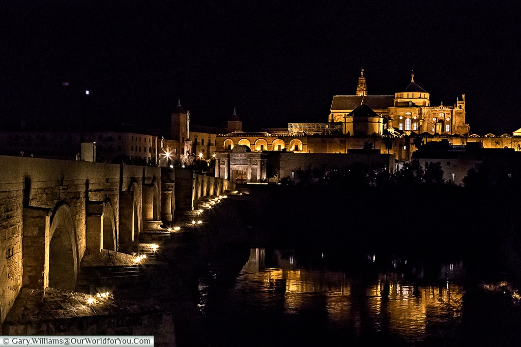 The Roman bridge of Córdoba with the Mosque–Cathedral in the background, Cordoba, Spain
