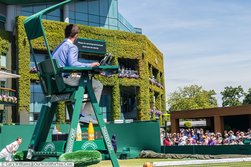 Umpire on the outer courts, Tennis, Wimbledon, London, England, UK