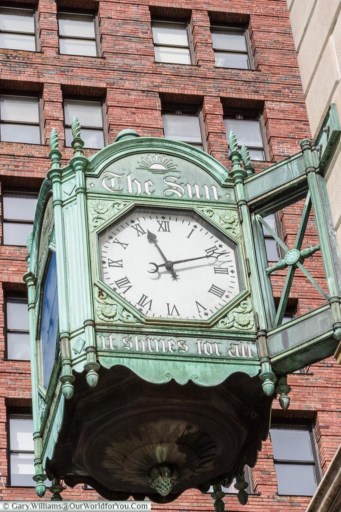The Sun - Clock, Manhattan, New York, USA