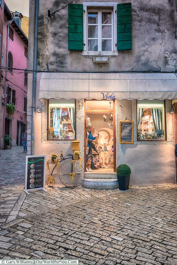 The quiet little shops, Rovinj, Croatia