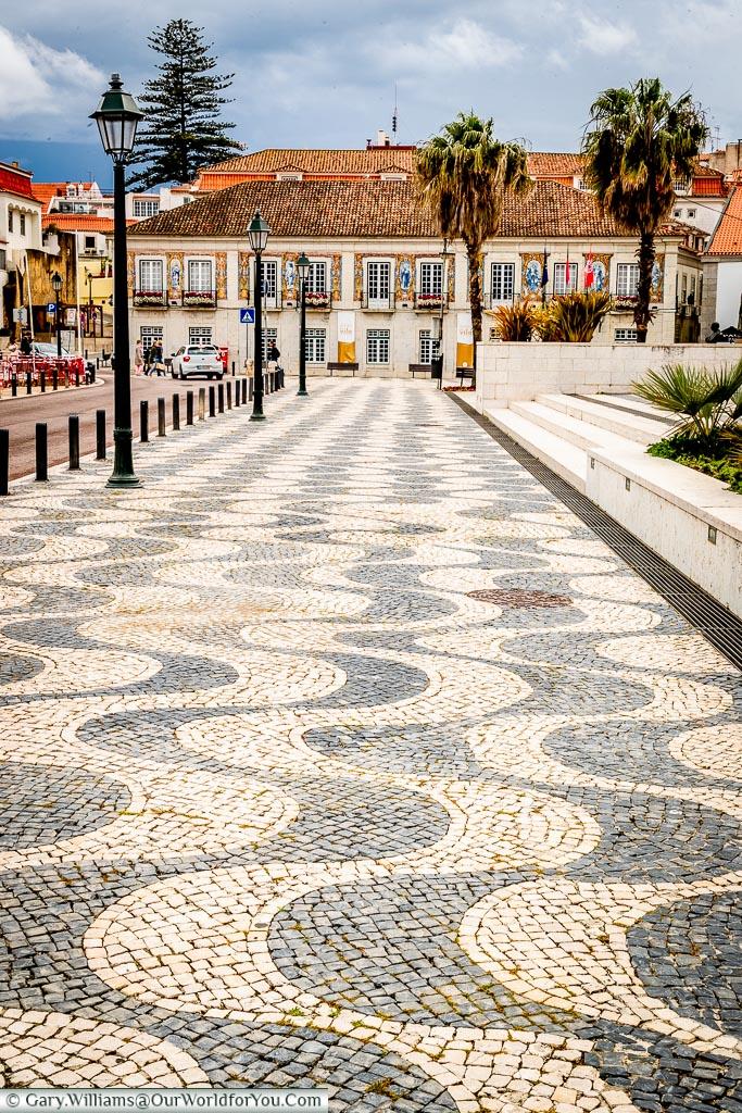 Follow the waves, Cascais, Portugal