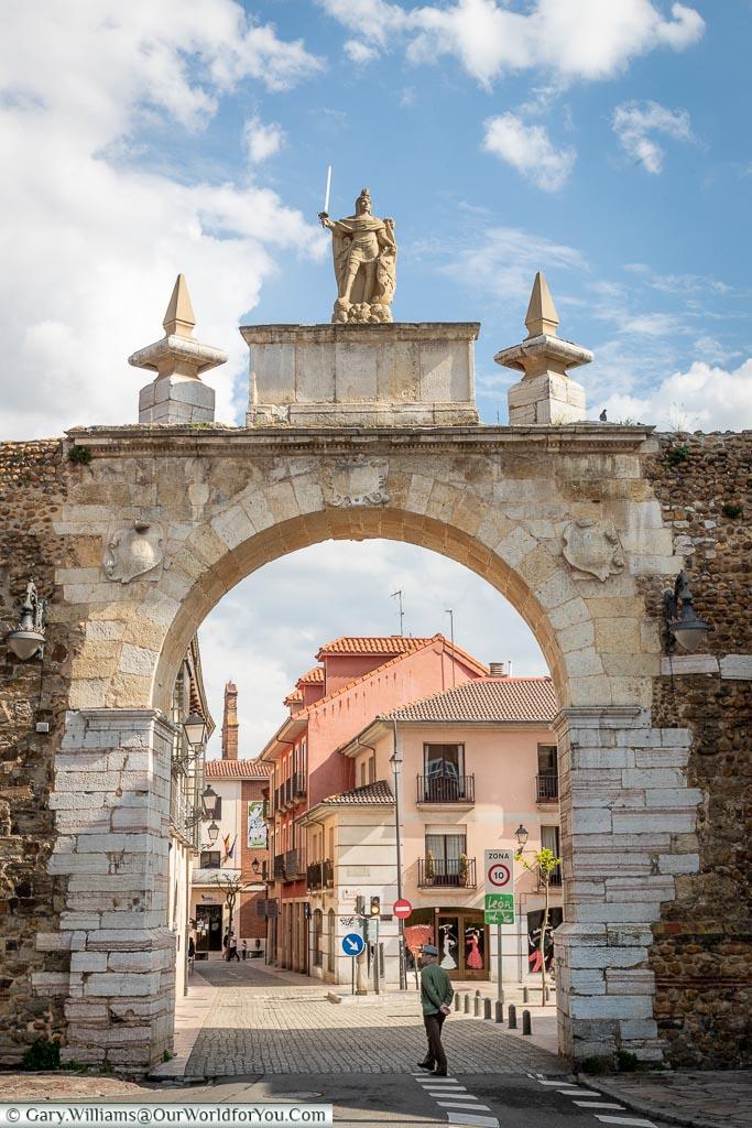 The Arco de la Cárcel, León, Spain