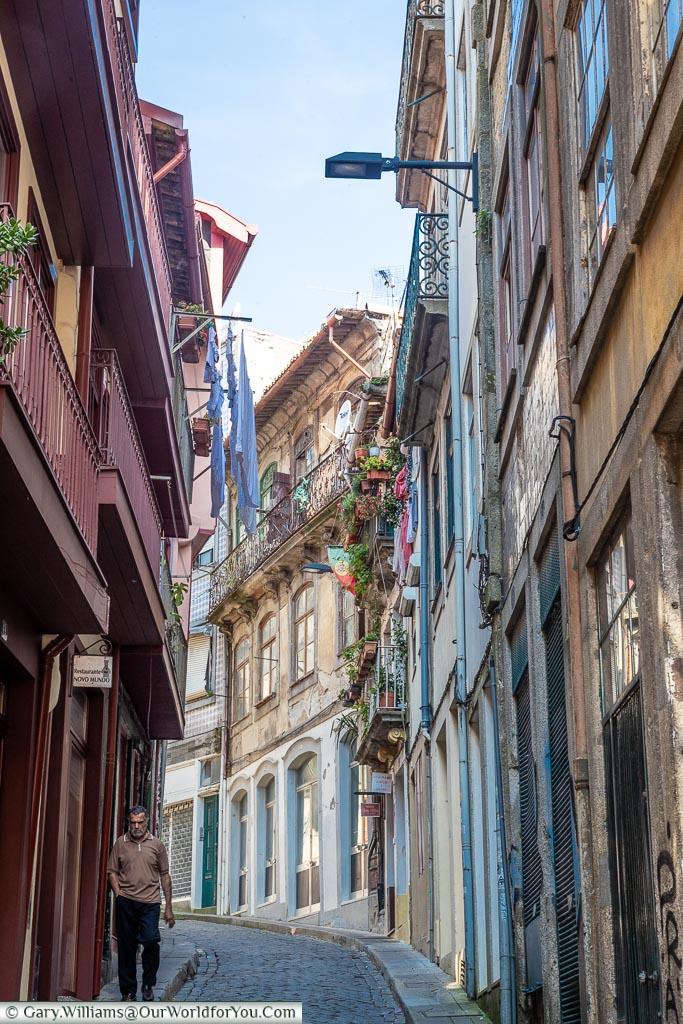 The lanes of Porto, Porto, Portugal