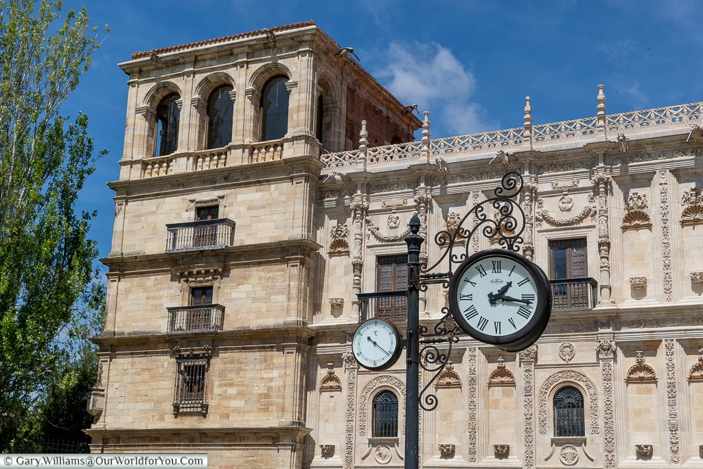Time in front of the Convent of San Marcos, León, Spain
