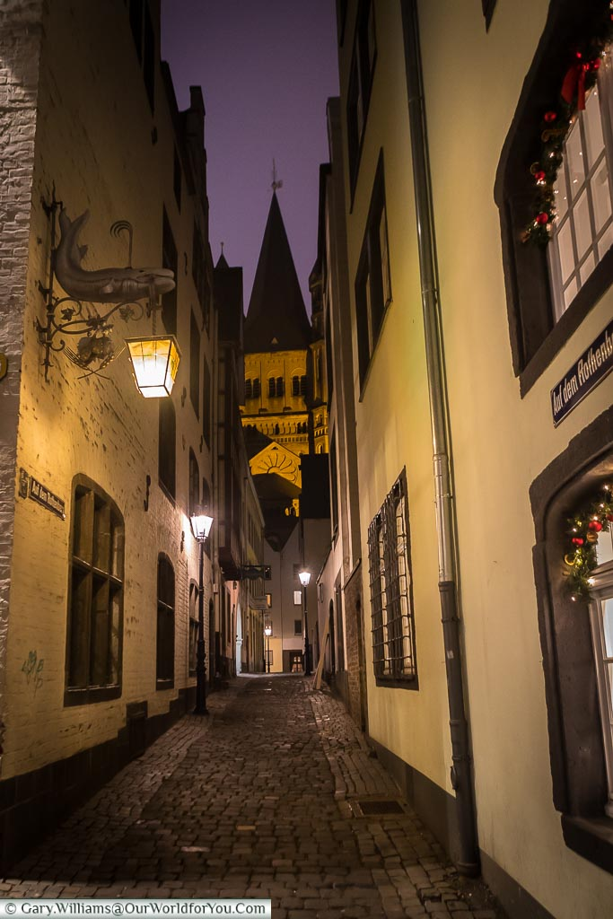 The cobbled alleys of the old town, Cologne, Germany