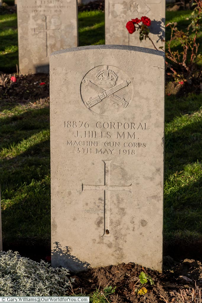 The headstone to Jesse Hills, Étaples Military Cemetery, France