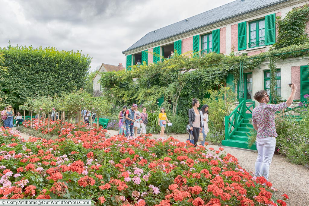 In front of the house, Giverny, Normandy, France